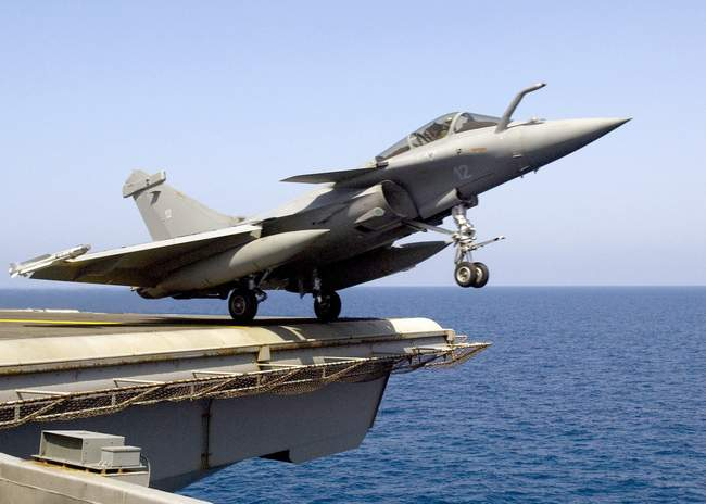 French_Rafale_M_launch_from_USS_Enterprise