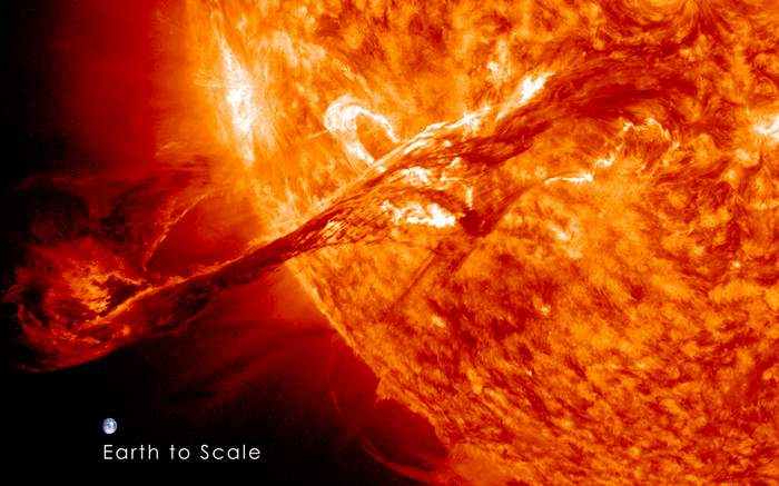 Magnificent_CME_Erupts_on_the_Sun_with_Earth_to_Scale