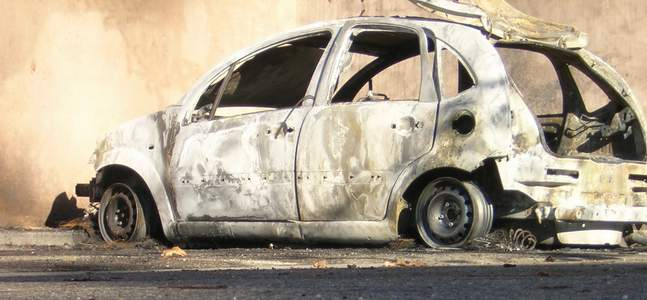 Burnt_out_car