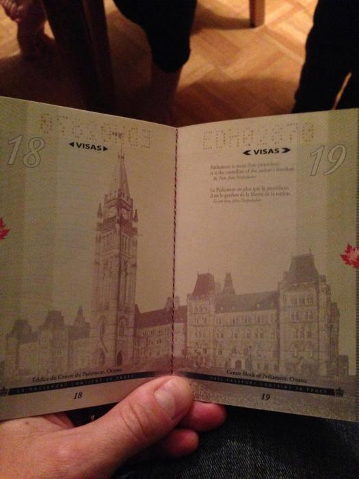canadian_passport_03