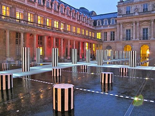 Buren-colonnes-renovees-nuit-Palais-Royal-4