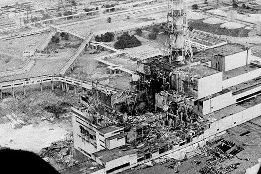 1506723_7_391a_la-centrale-nucleaire-de-tchernobyl-apres_ec27907a617675cc4e453c083e36deca
