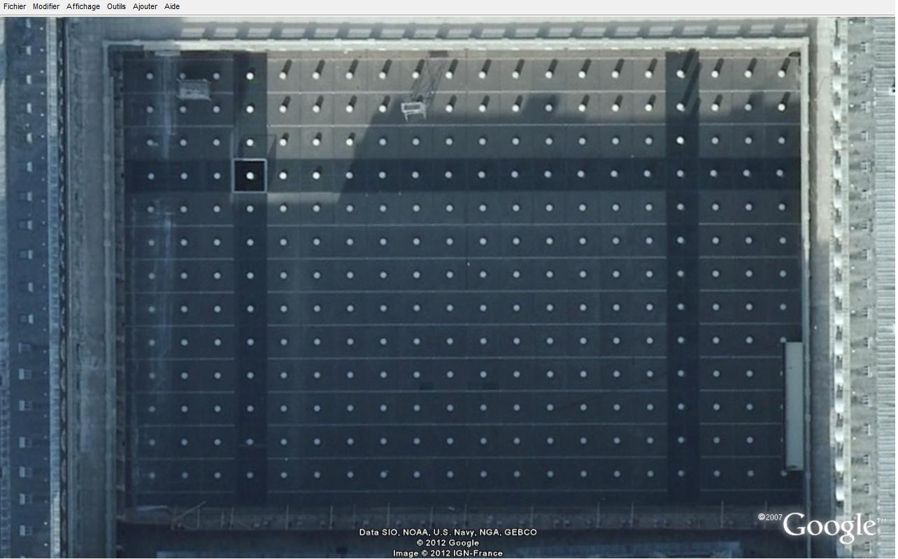 Les 260 Colones de Buren vue du ciel - 001