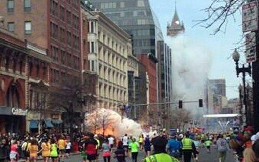 Explosion_at_Boston_Marathon_Finish-2fd8d8318521ce70751545fa0e981fd2