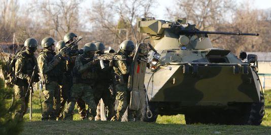 4387842_3_b9c4_des-hommes-armes-supposes-russes-ont-lance_da5ac6ff98b219b3a76c5062ba18b034