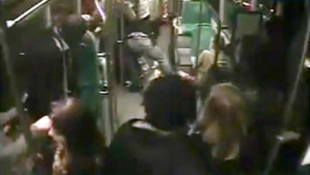 extrait-de-la-video-d-une-agression-dans-un-bus-2809557xevsp_1713