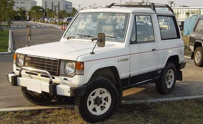 800px-Mitsubishi_Pajero_LF