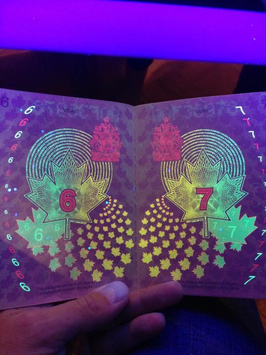 canadian_passport_02