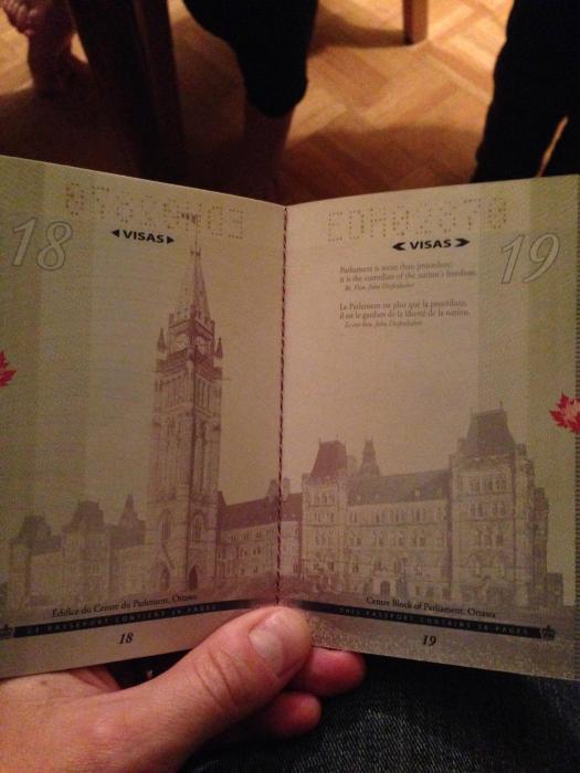 canadian_passport_03