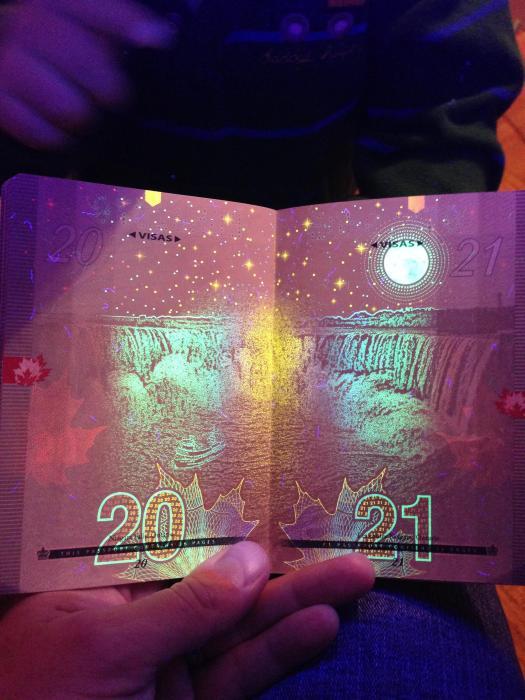 canadian_passport_12