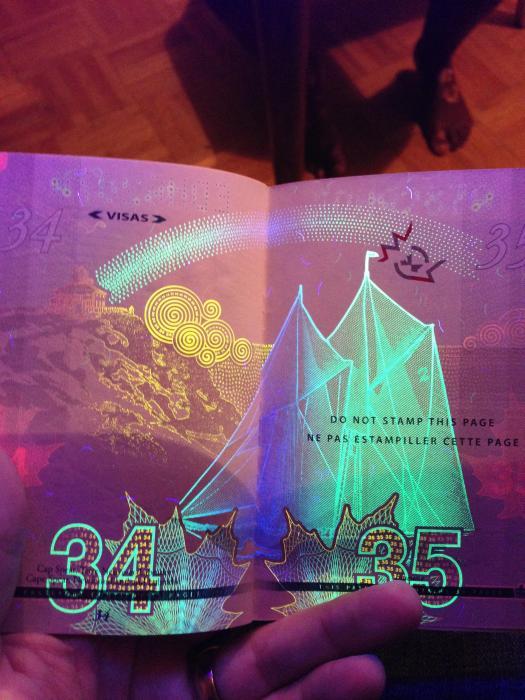canadian_passport_16