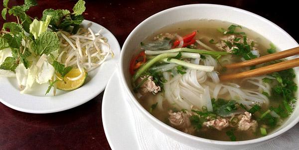 pho-bouillon-cuisine-vietnamienne-plat-asiatique-01