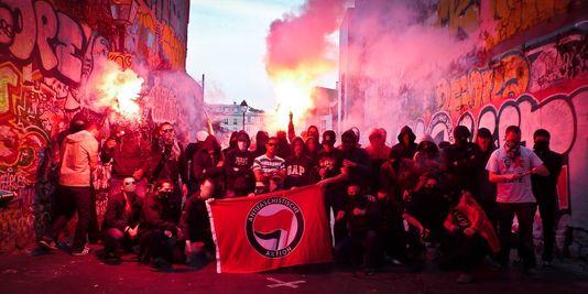 3425449_3_5f38_des-membres-du-groupe-action-antifasciste_e0e43a2f1de238ca0385a60d3e44b643