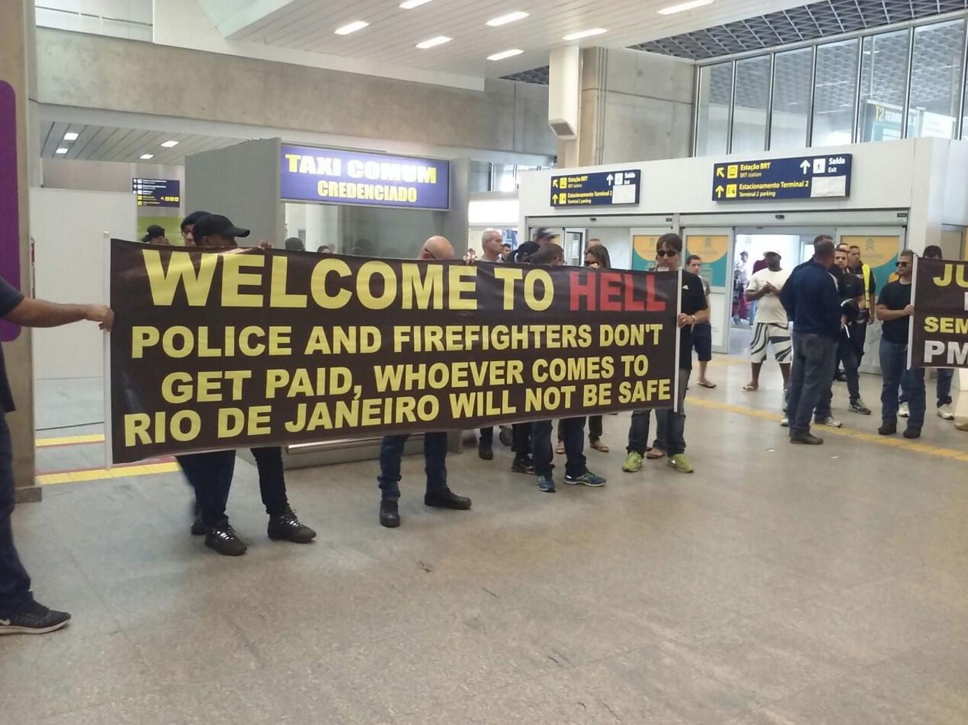 policier-pompier-rio-aeroport