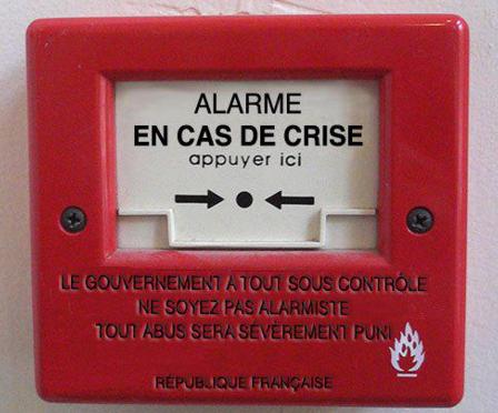 alarme-en-cas-de-crise-brisez-la-vitre